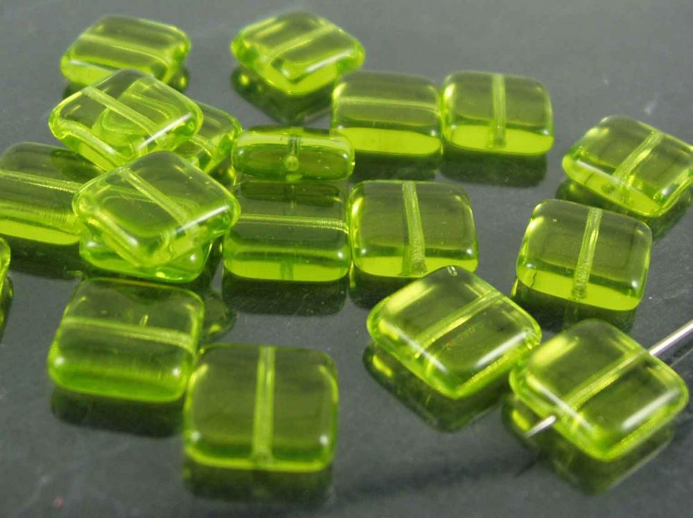 20 x Böhmische Glasperlen, Quadrat, 10 mm, grün<br />1,90 €