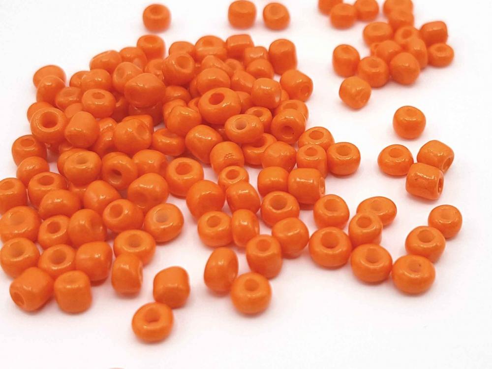 20 g  Rocailles,  4 mm, Größe 6/0, Farbe: orange<br />1,30 €