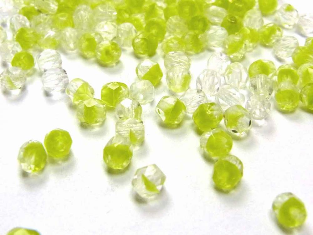 100 x Böhmische Glasschliffperle, 4 mm, zweifarbig kristall-hellgrün<br />1,90 €
