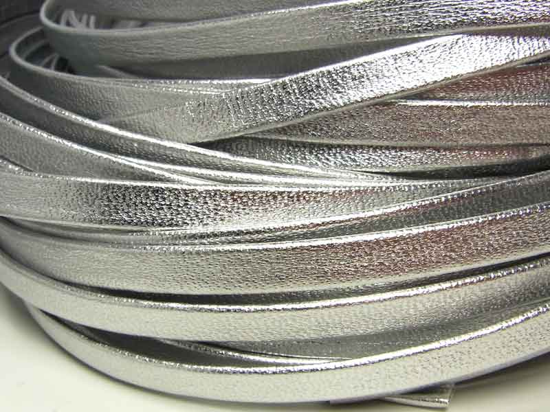 1 Meter Weiches Lederband, Recyclingleder, flach, 6 mm, silber metallic