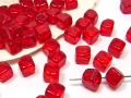 30 x Glasperlen,  Würfel 6 x 6 mm, rot (light siam)